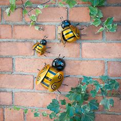 Bumble Bee Wall Art - Perfect for adding a touch of character to your garden or home - Buy decorative garden ornaments at B&M