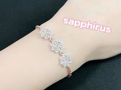 【No thread connection】 How to make a star bracelet Special small bees . Bead Jewellery, Beaded Jewelry, Handmade Jewelry, Beaded Bracelets, Beaded Lace, Earring Tutorial, Bracelet Tutorial, Making Bracelets With Beads, Jewelry Making
