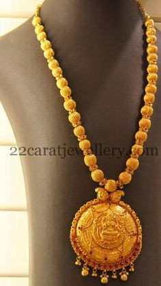 Jewellery Designs: Gold Beads Old Haram Gold Jewellery Design, Gold Jewelry, Beaded Jewelry, Gold Haram Designs, Gold Designs, Antique Necklace, Gold Necklace, Temple Jewellery, Jewelry Patterns