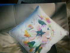 Cojines on pinterest embroidered pillows linen pillows and pillows - Cojines pintados a mano ...