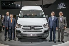 """Hyundai presented at IAA Commercial Vehicles 2014 in Anovaro the new H350. The new commercial van of the Korean company is the first designed specifically for the European continent, and it will be the """"opponent"""" of the Mercedes-Benz Sprinter and the Ford Transit."""