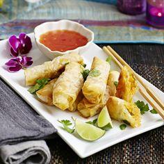 Nasi Goreng, Asian Recipes, Ethnic Recipes, Sweet Chili, Sushi Rolls, Wok, Fresh Rolls, Recipies, Snacks