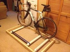 Picture of Bicycle Roller Trainer Home Made Gym, At Home Gym, Bike Maintenance Stand, Bicycle Rollers, Pimp Your Bike, Bike Repair Stand, Indoor Bike Trainer, Bike Shelf, Bicycle Workout