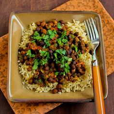 Slow Cooker Recipe for Vegan Black Garbanzo Bean Curry - thought of @Paula Rose and @Keri Behre when I saw this. Looks delish!