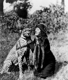 z- Explorer Osa Johnson w Pet Cheetah, Bong, 1949