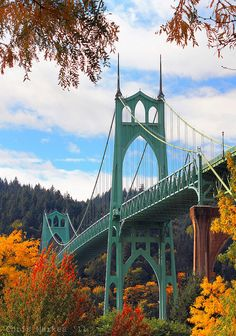 Puente St Johns Bridge 10-22-11 Cathedral Park, Portland Oregon