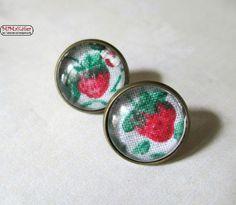 Ohrstecker Cabochon Erdbeere