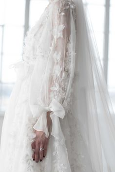 Ethereal Gowns / Marchesa Bridal Fall 2018 / Photo: The LANE