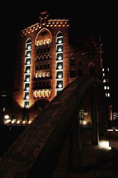 Maritimes Museum Hamburg fotografiert und gepinned von www.BlickeDeeler.de #hamburg #maritim #museum #harbour #night #lights