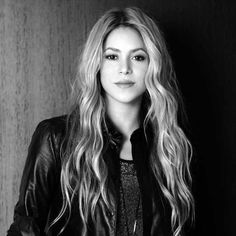 Shakira, the happy life - We interviewed the singer at her best. Star Beauty, Pure Beauty, Christina Hendricks, Shakira Style, Shakira Mebarak, Famous Girls, Gossip Girls, Woman Crush, Selena Gomez