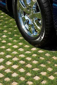 "Drivable grass ~ create a ""green"" driveway using porous concrete grids that are planted with a ground cover between the cement 'pavers'. A creative & environmentally friendly storm water management solution. You can mow your driveway :) Cement Pavers, Grass Pavers, Concrete Blocks, Concrete Driveways, Paving Stones, Backyard Pavers, Backyard Trees, Concrete Forms, Front Yards"