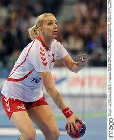 Karolina Siodmiak - Fotos | imago images Running, Sports, Image, Tops, Women, Fashion, Handball, Pictures, Hs Sports