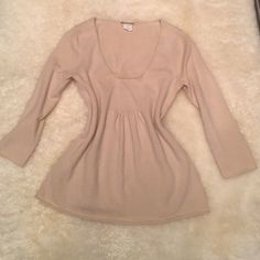J.Crew sweater Great condition 100% cashmere sweater sz Xs J. Crew Tops Blouses