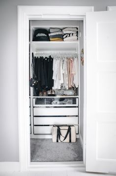 Small closet design property interior ideas ikea best home us in Organizing Walk In Closet, Walk In Closet Small, Apartment Closet Organization, Ikea Closet Organizer, Walk In Closet Design, Tiny Closet, Small Closets, Closet Designs, Closet Bedroom