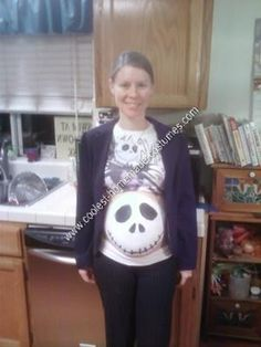 Homemade Jack: My wife Alison is 7 months pregnant now, and really loves The Nightmare before Christmas! We watch it at least four times a year. Pregnant Halloween Costumes, Pregnancy Costumes, Easy Halloween, Halloween Outfits, Halloween Themes, Maternity Halloween, Clever Costumes, Funny Costumes, Costume Ideas