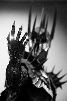 LOTR 30 Day challenge: Day 7: Favorite Antagonist: Sauron