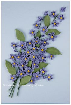 종이감기(paper quilling)로 봄에 잡초처럼 잘 자라는 물망초(forget-me-not)을 만들었어요. 밴쿠버의 5월...