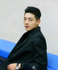 Ji soo - the faces he makes!!!  Another Noona-Slayer..