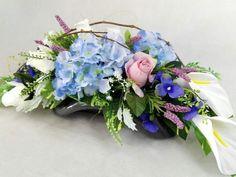 Flower Boxes, Diy Flowers, Funeral, Floral Arrangements, Centerpieces, Floral Wreath, Arts And Crafts, Wreaths, Garden