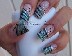 simple-nail-designs-with-rhinestones.jpg (500×388)