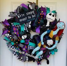 Jack Skellington and Sally wreath Wreath Crafts, Art Crafts, Wreath Ideas, Diy Wreath, Diy And Crafts, Halloween Wreaths, Diy Halloween Decorations, Halloween Crafts, Holiday Crafts