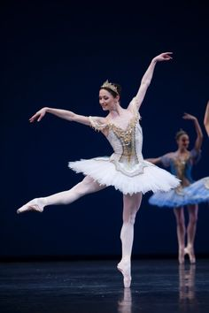 Het Nationale Ballet Anna Tsygankova in Theme & Variations Photo by Angela Sterling