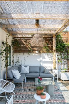 - Rustic Pergola Ideas DIY - Pergola Patio I ., - Ideas rústicas de la pérgola DIY - Pergola Patio I . # diy There's little time such as the prevailing to generate the most our own backyard space. Diy Pergola, Rustic Pergola, Deck With Pergola, Diy Patio, Patio Ideas, Modern Pergola, Covered Pergola, Small Pergola, Outdoor Pergola