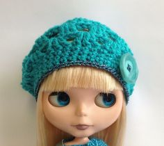This is a lovely crochet pattern for a Blythe beret. It has written instructions for 12, Middie and Petite Blythe. This is a PDF pattern that you will be