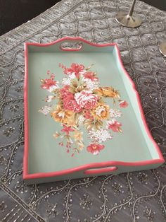DIY serving tray with folk art