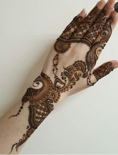 50 Most beautiful Hyderabad Mehndi Design (Hyderabad Henna Design) that you can apply on your Beautiful Hands and Body in daily life. Modern Henna Designs, Back Hand Mehndi Designs, Henna Art Designs, Mehndi Designs For Girls, Stylish Mehndi Designs, Dulhan Mehndi Designs, Wedding Mehndi Designs, Mehndi Design Pictures, Beautiful Mehndi Design