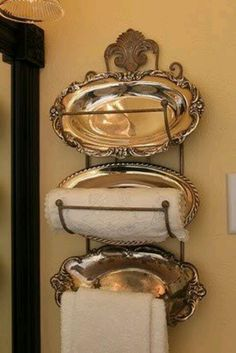 wonderful towel rack - love the silver!