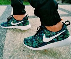 Nike Roshe Run Palm Trees Poison Green (10)
