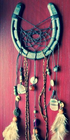 exemple attrape reve en forme de fer à cheval, décoration simple, un joli porte-bonheur