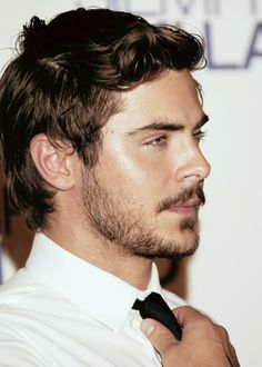 Surviving Monday with some Zac Efron... OMG I love guys who can work it having some facial hair! <3