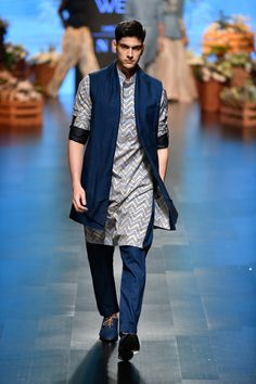 Complete collection: SVA by Sonam & Paras Modi at Lakmé Fashion Week summer/resort 2019 Sherwani For Men Wedding, Wedding Dresses Men Indian, Wedding Outfits For Groom, Wedding Dress Men, Mens Indian Wear, Mens Ethnic Wear, Indian Groom Wear, India Fashion Men, Indian Men Fashion