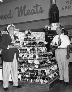 Coca-Cola Supermarket Display [link]