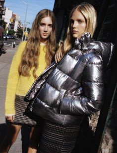 Zara is bringing on the shine with its new arrivals. Spotlighting its TRF line, the Spanish fashion giant serves up metallic styles that can be worn just about… Zara, Raincoats For Women, Jackets For Women, Bling Bling, Looks Instagram, Raincoat Outfit, Spanish Fashion, Yellow Raincoat, Puffy Jacket
