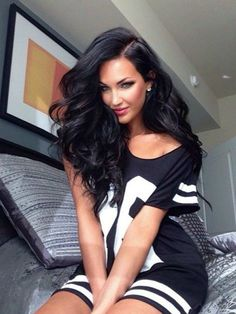 Picture of Natalie Halcro Pretty Hairstyles, Wig Hairstyles, Coiffure Hair, Corte Y Color, Long Black Hair, Big Hair, Full Hair, Gorgeous Hair, Lace Front Wigs