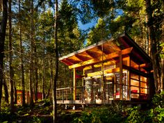 These Gulf Island retreats were created by the Vancouver-based architecture firm Osburn& They were commissioned to design four guest cabins, each wi Cabin Design, House Design, Tiny House, Summer Cabins, Off Grid Cabin, Guest Cabin, Vernacular Architecture, Little Cabin, Timber House