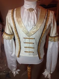 Got to love this! Dance Costumes Lyrical, Ballet Costumes, Boy Costumes, Nutcracker Costumes, Theatre Costumes, Mens Tunic, Princes Fashion, King Costume, Ballet Boys