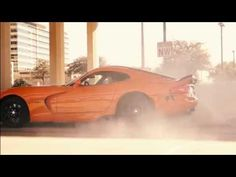 This is how a 1,000-hp twin-turbo Viper burns out