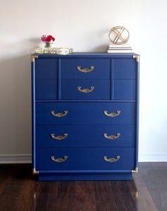 Aparador de mediados de siglo modernos tallboy campaña vintage azul - vendido