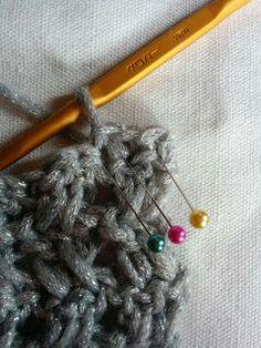 スヌードの編み方 各段の初め Bobby Pins, Cowl, Hair Accessories, Crochet, Pattern, Crochet Hooks, Patterns, Cowls, Hair Accessory