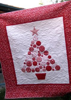 Christmas Tree Quilt (only photo. No pattern or tutorial)