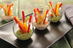 [Total: 2  Average: 2/5] Chcete vyzkoušet něco jiného než tradiční chlebíčky? Nabídněte hostům na party zdravé občerstvení z čerstvé zeleniny a pikantních dipů. Na větší talíř nebo mísu nakrájíme na tenčí hranolky mrkev, řapíkatý celer, salátovou okurku, červenou a žlutou papriku. Mísu vložíme doprostřed stolu, založíme vychlazené dipy a ihned konzumujeme. Balsamico dip jedna čtěte více