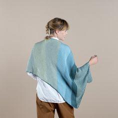 Metorit - Asymmetrisk sjal Mönster Knitting Patterns Free, Free Knitting, Free Pattern, Knit Or Crochet, Crochet Hooks, Circular Needles, Garter Stitch, Easy Projects, Cover Up