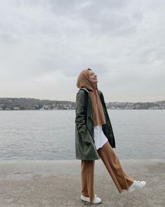 Islamic Fashion, Muslim Fashion, Niqab, Street Hijab Fashion, Casual Hijab Outfit, Photography Poses Women, Summer Dress Outfits, Teen Fashion Outfits, Ulzzang Fashion