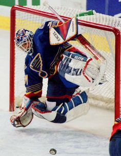 Grant Fuhr always made a save look good. #Blues #Oilers
