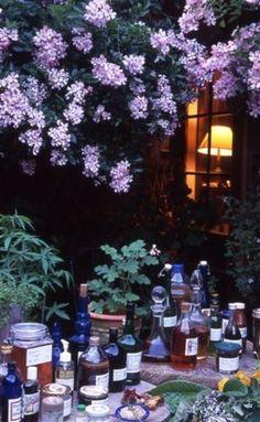 ベニシア邸では、ハーブと同じくらいに酢を有効利用している様子が伺えます。