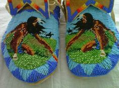 "The Corner Mercantile, ""Indian Goods' and authentic Indian Trading Post - beadwork bby Debra Lee Stone, Western Shoshone & Piaute Tribes. Size 11 cut beads sewn on natural brain tanned buckskin - jewelry for your feet! Native Beadwork, Native American Beadwork, Native American Art, Indian Beadwork, American Women, Native Style, Native Art, Beaded Moccasins, Baby Moccasins"
